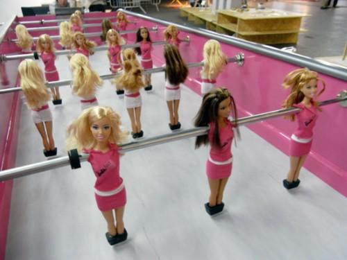 Barbie grają w piłkę nożną